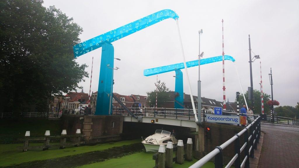 Delft koepoort brug kleur