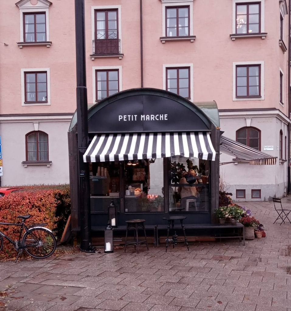 petit marche koffie en bloemenwinkel